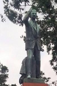 Monumento de León Cortés Castro en La Sabana.